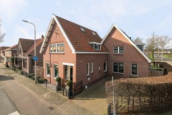 Burg De Zeeuwstraat 165 in Numansdorp 3281 AH