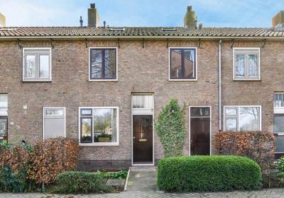 Constantijn Huygenslaan 22 in Uithoorn 1422 HG