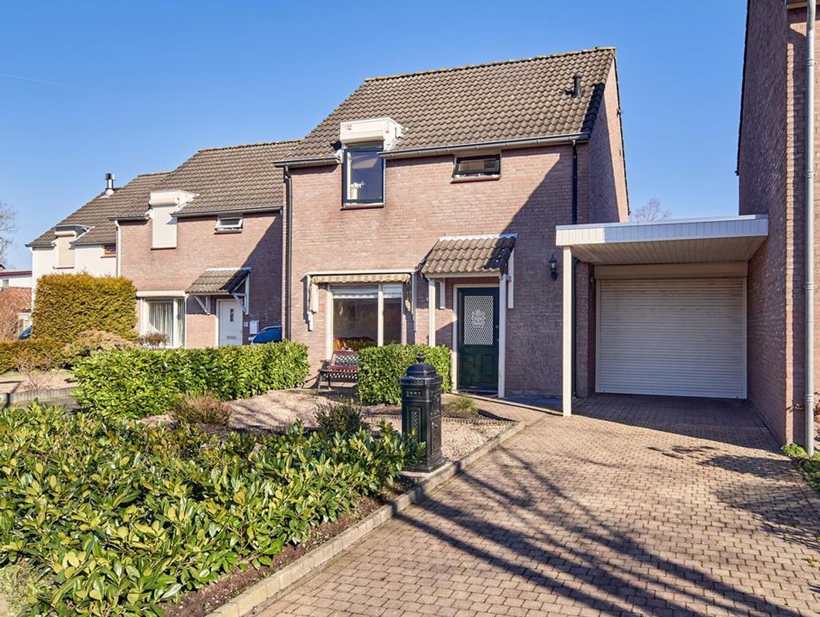 Troelstrastraat 18 in Helmond 5707 JW