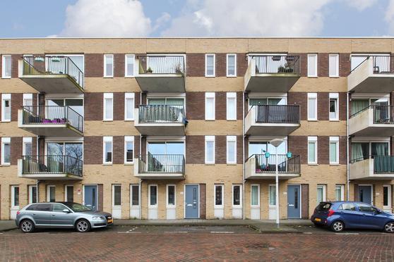 Banne Buikslootlaan 123 in Amsterdam 1034 AC