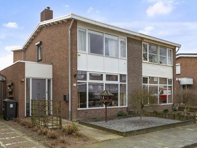 Korenbloemstraat 11 in Rosmalen 5241 BV