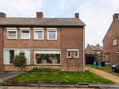 Jan Steenstraat 17 in Geleen 6165 TS