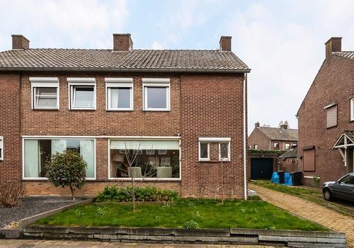 Jan Steenstraat 17 in Geleen 6165 TS