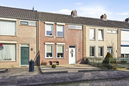 Wethouder Jonkersstraat 50 in Halsteren 4661 ED