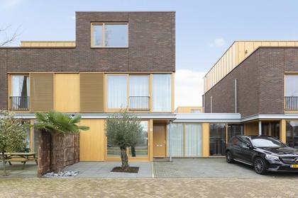Charley Tooropstraat 14 in Zaandam 1506 KX