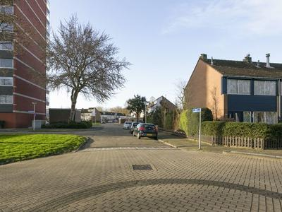 P.J. Oudstraat 22 in Papendrecht 3354 VA