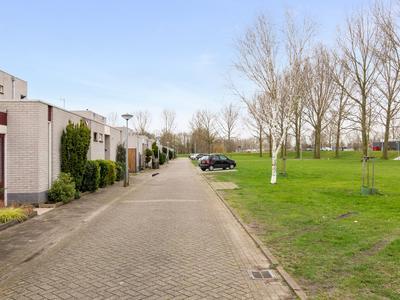 Breedenborgstraat 5 in Almere 1333 VS