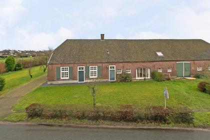 Past. Clercxstraat 76 in Veghel 5465 RJ