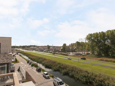 Noorwegenkade 360 in Almere 1363 DS
