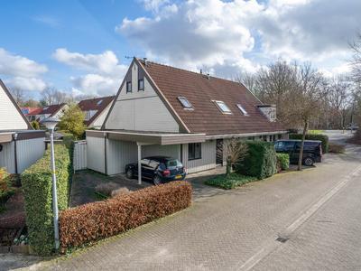 Kromgouw 2 in Almere 1352 BA