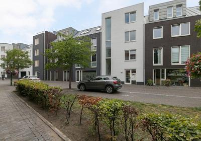 Dorpsstraat 86 in Nootdorp 2631 CV