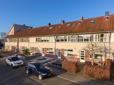 F.A. Wonninkstraat 74 in Meteren 4194 VV