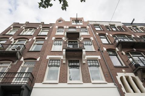 Van Baerlestraat 55 4 in Amsterdam 1071 AR