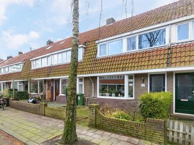 Bijenhofstraat 16 in Leeuwarden 8922 EB