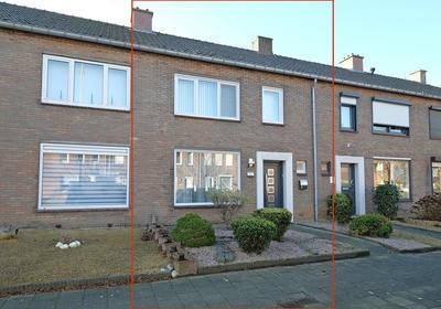 Pastoor Schoenmaeckersstraat 38 in Geleen 6163 BW