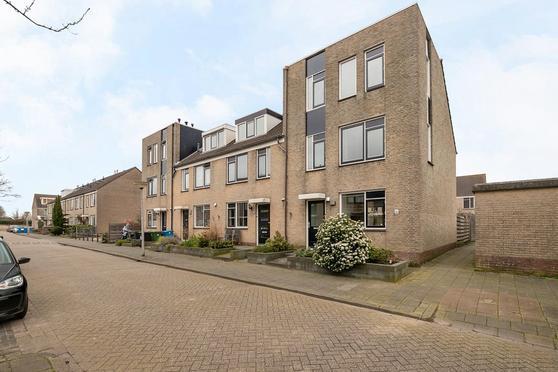 Betje Wolffstraat 2 in Pijnacker 2642 BJ