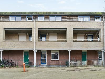 Bep Van Klaverenboulevard 46 in Amsterdam 1034 WP