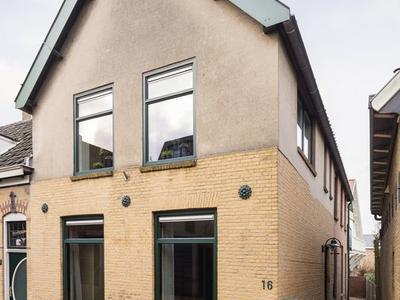 Achterstraat 16 in Lekkerkerk 2941 AB