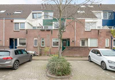 Middenhof 279 in Almere 1354 GC