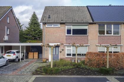 Van Duijnhovenstraat 4 in Helmond 5708 EZ