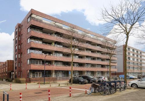 Johan Hofmanstraat 100 in Amsterdam 1069 KE