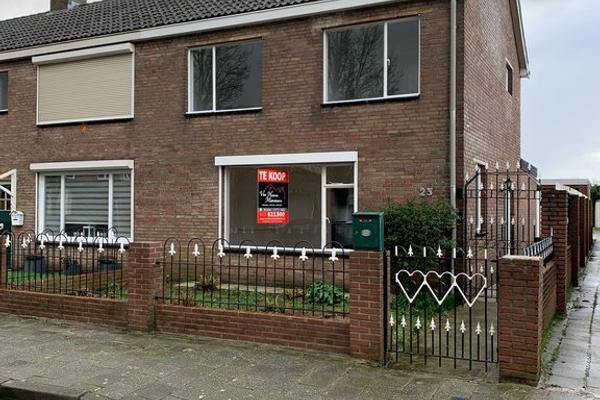 Amaliastraat 23 in Sas Van Gent 4551 HP