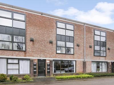 Van Boetzelaerlaan 94 in Hoogland 3828 NS