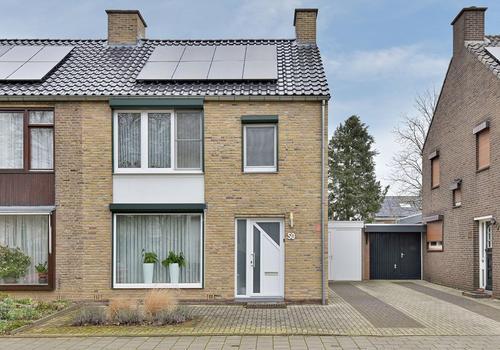 Burg. Arnoldtsstraat 50 in Sittard 6137 PE
