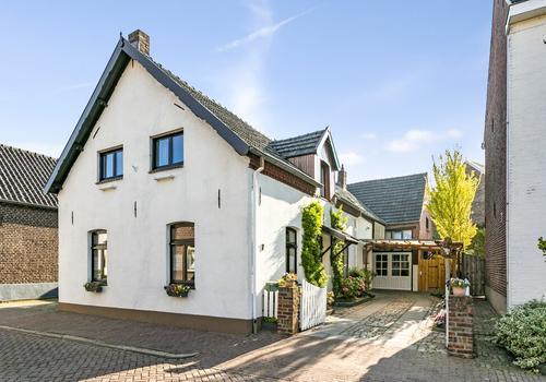 Sint Wirostraat 7 in Sint Odilienberg 6077 AE
