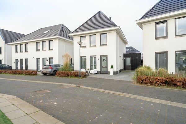 Timmersteek 13 in Almere 1319 GN