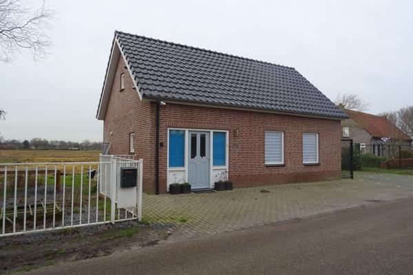 Brede Balrouw 33 in Hoeven 4741 RM