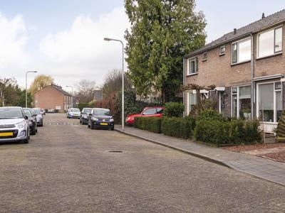 Anna Paulownastraat 25 in Geldermalsen 4191 GJ