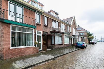 Van Linschotenstraat 10 in IJmuiden 1972 ME