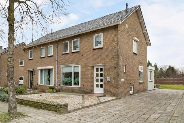 Dr. Arntzstraat 15 in Mill 5451 AJ