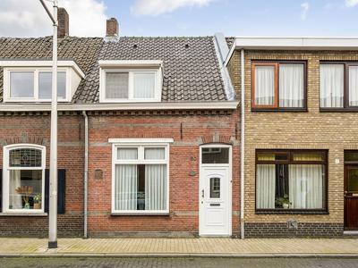 Hoevenseweg 30 in Tilburg 5017 AE