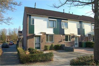 Spotvogelstraat 1 in Duiven 6921 KS