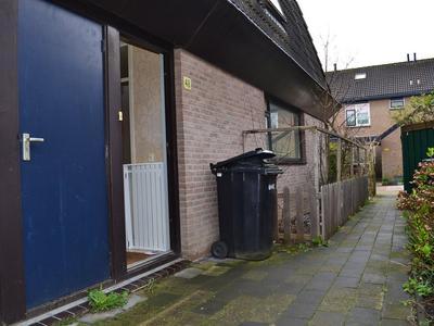 Boris Pasternak-Erf 48 in Dordrecht 3315 BP
