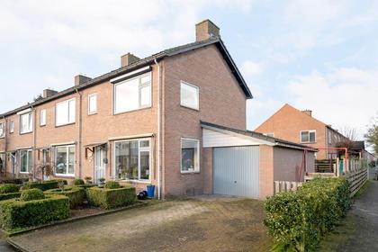 De Van Der Schuerenstraat 7 in Steenwijk 8331 BD
