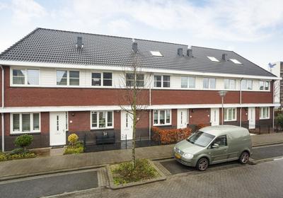 Burg. Rippingstraat 2 D in Maassluis 3145 MD