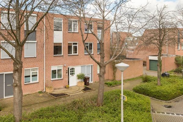 Wulverhorst 36 in Alphen Aan Den Rijn 2402 LH