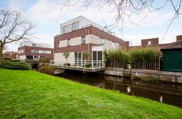Warmoezerij 19 in Alphen Aan Den Rijn 2404 HW