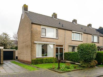 Laurierstraat 26 in Dordrecht 3319 HM