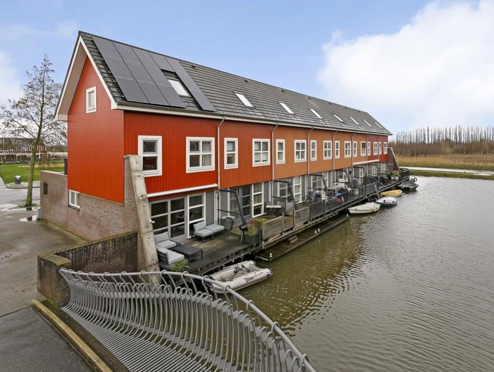 De Dauwkade 17 in Rosmalen 5247 MV