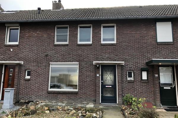A Gen Giezen 39 in Heerlen 6418 BH