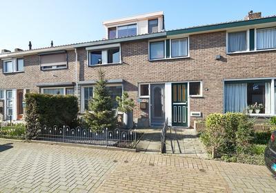 Beatrixstraat 15 in Terneuzen 4532 AV