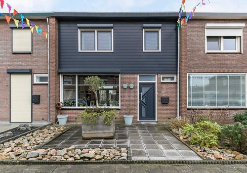 Irenestraat 11 in Beuningen Gld 6641 CN