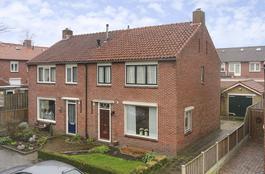 Graaf Adolfstraat 10 in Rijssen 7462 GD