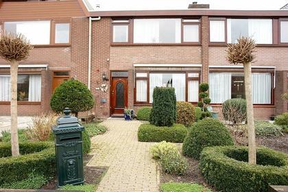 Karwijstraat 33 in Hoogvliet Rotterdam 3193 TH