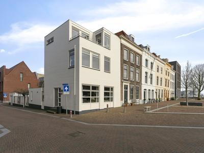 Kleine Kerkstraat 2 in Vlissingen 4381 EA