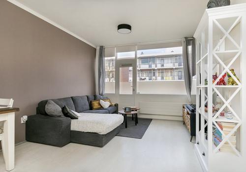 Ellewoutsdijkstraat 181 in Rotterdam 3086 LD